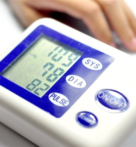 屈臣氏腕式全自动血压计评测