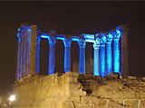 葡萄牙罗马庙点亮蓝光