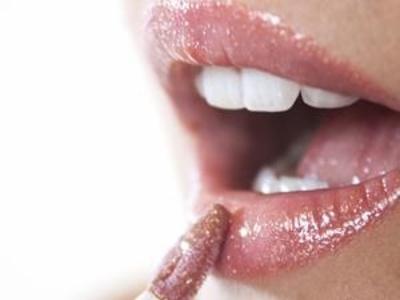 挑选五类唇膏的贴心指南
