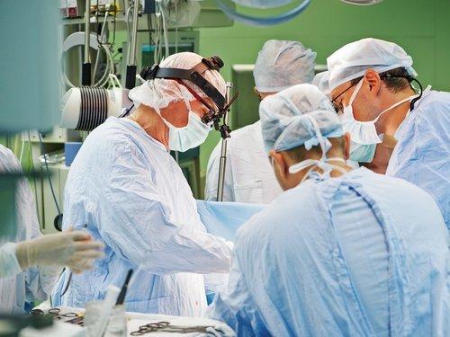 2008微创外科学术峰会手术现场直播