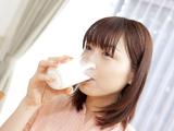靠喝牛奶减肥成功的美女明星