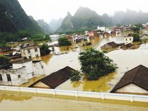 4300万人遭受洪涝灾害 176人死亡