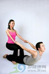 瑜伽体式:幻椅式