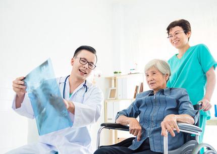 骨科专家张春林:骨痛背后可能肿瘤在作怪