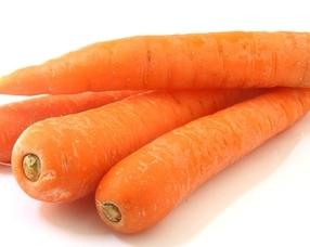 西兰花胡萝卜比猪肝更护眼