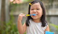 警惕刷牙刷出来的牙齿疾病