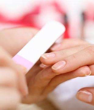 育儿百宝箱:宝宝指甲透露的9个不健康信号