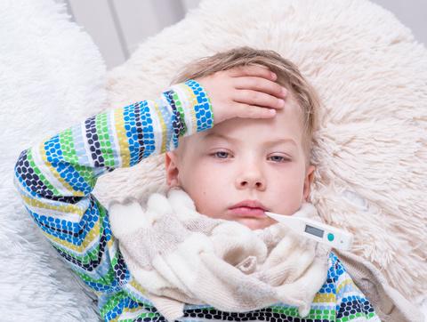 儿童冬季小心户外锻练