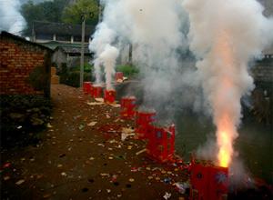 燃放后多种污染物损害身体