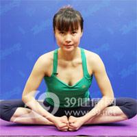 束脚式压腿瑜伽动作 产后瘦腿1