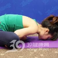 束脚式压腿瑜伽动作 产后瘦腿3