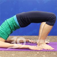 桥式抬腰瑜伽动作 产后瘦腹3