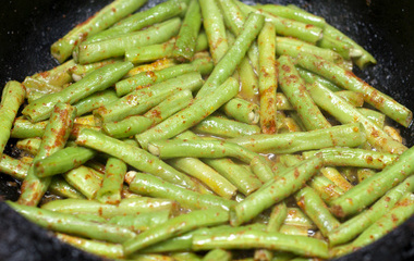 蜂蜜柚子茶的做法步骤4:煮柚子皮