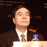 全国政协常委、民革中央副主席、中国医学基金会理事长何丕洁