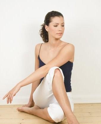 6式简易瑜珈减肥方法 轻松瘦全身