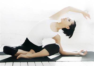 产后瑜伽让新妈妈轻松享瘦