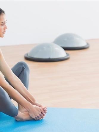粗略丰胸瑜伽动作教你开足挺女人