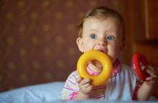 儿童牙齿变黄是什么原因?这些
