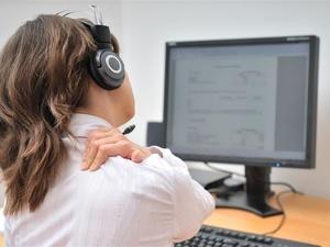 颈椎痛怎么缓解?三个妙招,简易又有效