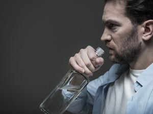 一次过量饮酒对大脑影响长达6周:有酒瘾的你,该戒酒了!