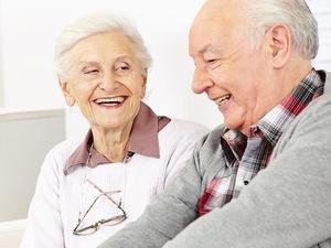 为什么女性比男性活得更久?医生:5个长寿原因,男人能接受吗?