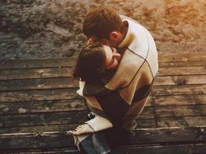 男人暗恋你会有哪些表现?