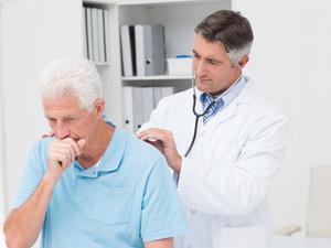 干咳血痰,你的肺可能出问题了!小心是肺癌