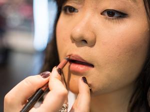 化妆步骤正确的是怎样的