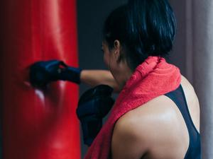 """24岁小伙一天健身6小时,导致肾损伤!是运动的""""锅""""?"""