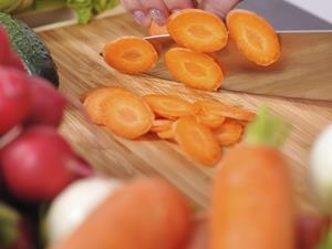 胡萝卜煲山药 健脾益胃