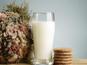 空腹喝牛奶好不好?喝牛奶的4大誤區很致命!