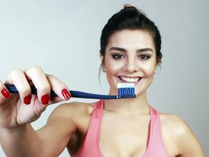 睡前不刷牙,会有什么后果?