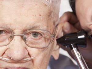 青光眼,老年人,青光眼症状,视力障碍,头痛