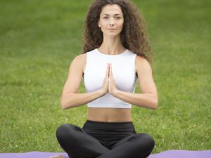 练瑜伽治颈椎病惹截瘫横祸