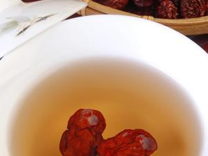 秋冬季节多喝红枣茶补血益气