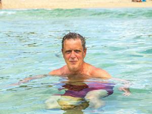 """肩周炎,肩周炎游泳,肩周炎锻炼,肩袖损伤,老年人,肩周炎是游泳的错吗?中老年""""甩膀子""""动作慎做"""