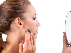 脸上的毛孔越来越粗大是怎么回事?