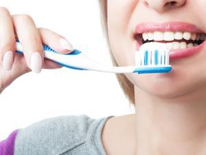 什么!牙膏挤太多或患口腔癌?