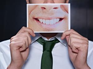 口臭,口苦,口臭原因,口臭怎么办,预防口臭