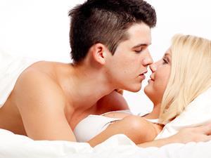 接吻时,女生身体会发生什么变化?男生勿入