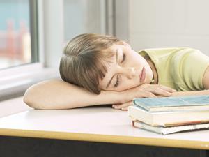 趴着睡为什么会胃疼?