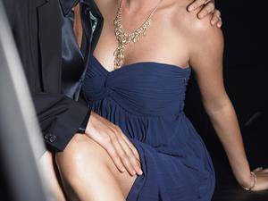 男人最爱看女人胸部?