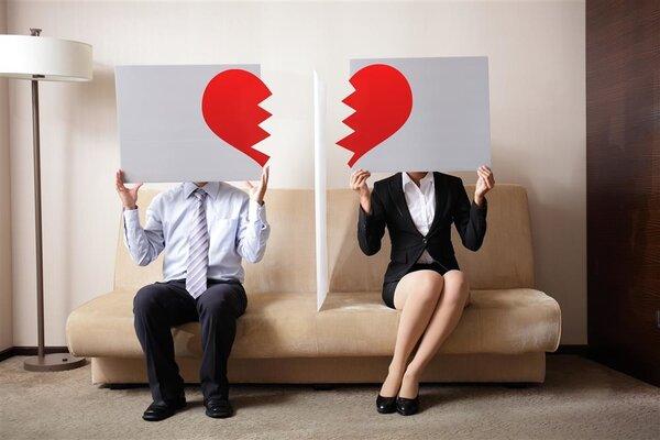 男子为前女友充值3万元电费求复合,异地恋如何维持爱情?