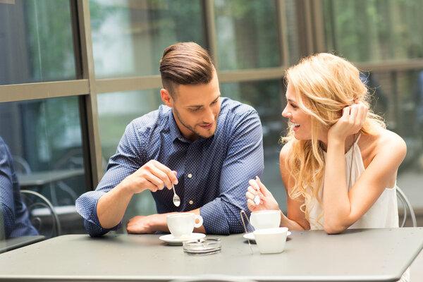 婚前病史该不该告知伴侣?想守住婚