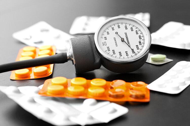 """三个真实案例告诉你:降压药这么吃,血压只会""""一路走高"""""""
