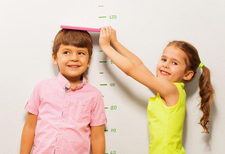 孩子以后能不能长得高,其实3个部位已经暗示了!不用等孩子长大
