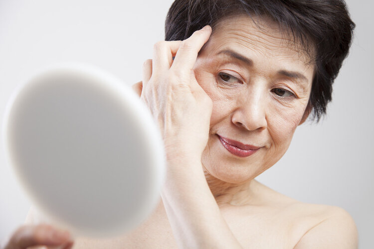 延迟退休被提上日程,专家:女性退休先统一到55岁,你同意吗?