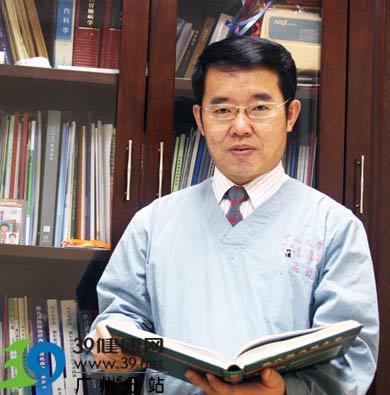 专访中山六院消化内科主任李初俊——九成消化性溃疡是可以 治的