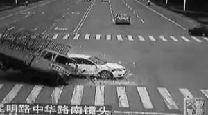 山东菏泽公布车祸瞬间警示市民 被批场面血腥(图)