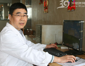 广州市中医医院儿科主任肖达民:宝宝发烧怎么办?